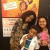 Kawane Wesa é repórter por um dia na estreia da peça A Menina Edith e a Velha Sentada