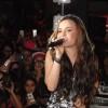 Larissa Manoela reúne fãs e amigos famosos em baladinha no Rio