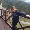 Nikki Meneghel curte férias na serra do Rio de Janeiro