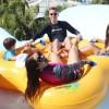Nathália Rodrigues curte o Beach Park com a família