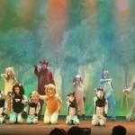 Criancas no Palco Reino de Simba (1)